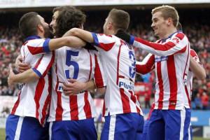 Chicharito-participa-en-la-humillante-victoria-del-Atlético-ante-Real-Madrid.jpg