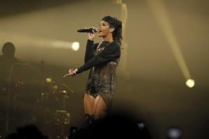 Dreamworks-vuelve-con-la-amistad-entre-una-pequena-Rihanna-y-un-alienigena-650x432