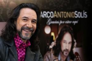 Marco-Antonio-Solís-hizo-cantar-y-bailar-a-miles-de-nicaragüenses.jpg