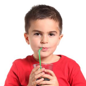 5 alimentos que no les debes dar a tus hijos