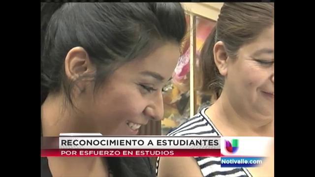estudiante-hispana-recibe-importante-beca.jpg