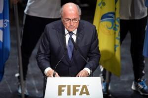 El presidente de la FIFA, Joseph Blatter da un discurso durante el 65 Congreso del organismo en Zúrich, Suiza hoy 28 de mayo de 2015. EFE