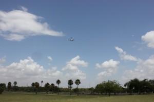 Un-helicoptero-de-EEUU-forzado-a-aterrizar-al-ser-disparado-desde-Mexico-650x432