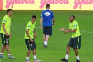 neymar-entrena-y-es-confirmado-por-dunga-como-titular-contra-honduras-.jpg