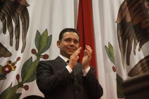 CIUDAD VICTORIA, TAMALULIPAS, 01ENERO2011.- eugenio Hernandez Flores, gobernador saliente de Tamaulipas, durante la toma de protesta del gobernador Egidio Torre Cantu. FOTO: RAMIRO LARA/CUARTOSCURO.COM