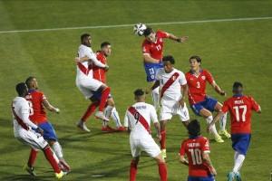 per-con-10-hombres-sigue-atacando-a-chile-.jpg