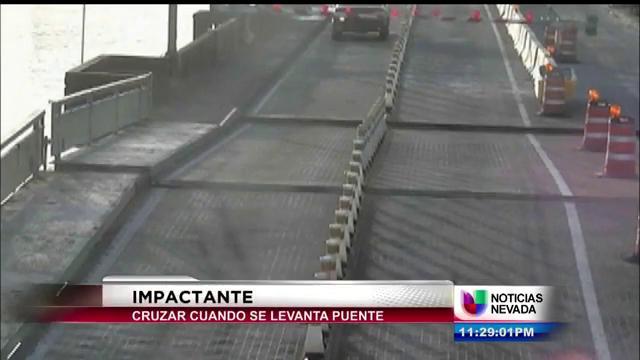 conductor-intenta-cruzar-puente-mientras-este-se-levantaba.jpg
