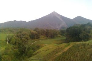 1280px-Volcan_Fuego