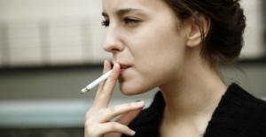 Si fumas se te puede adelantar la menopausia