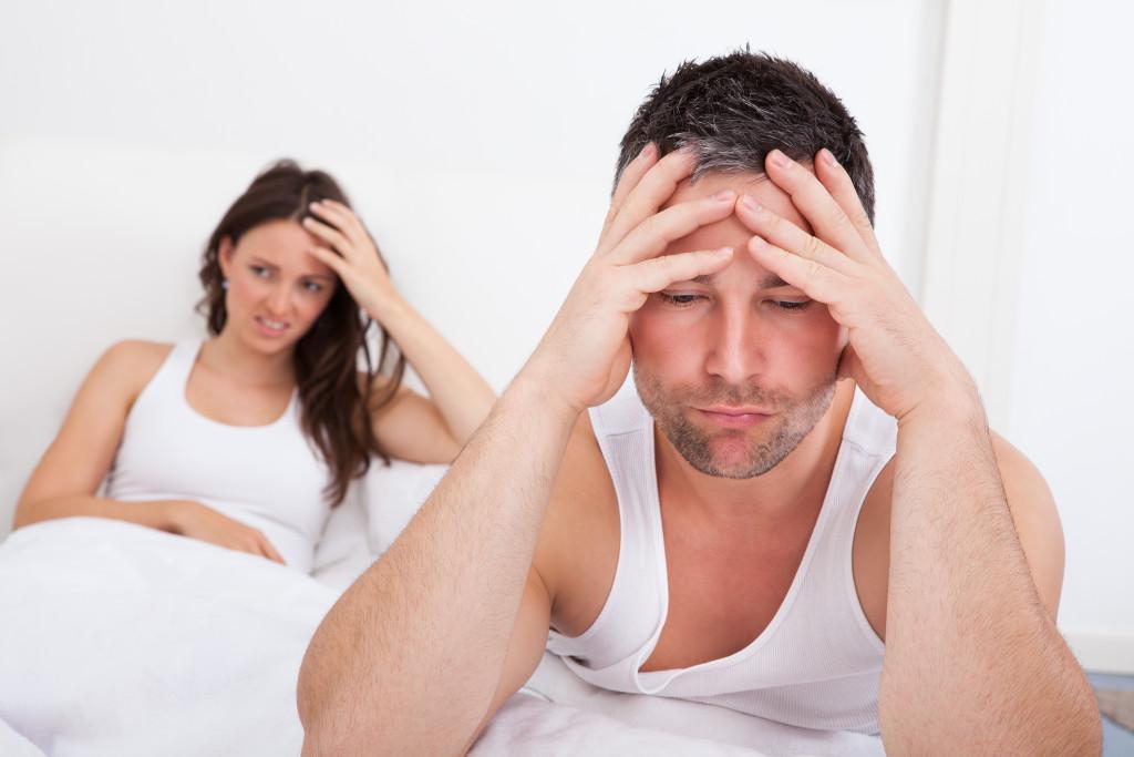 Los hombres también sufren de depresión pre y posparto, estudio