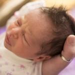 ¿Es necesario cortar el pelo del recién nacido?