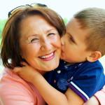 Consejos para que los abuelos tengan una mejor relación con sus hijos y nietos