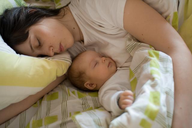 Logra dulces sueños para ti y tu bebé