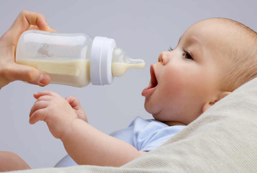 Cinco señales de que tu bebé es intolerante a la lactosa