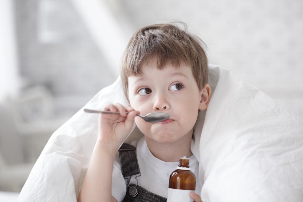 Advertencia en remedios para el resfriado y la tos para los niños