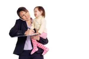 3 prejuicios a los que se enfrenta una mamá que trabaja