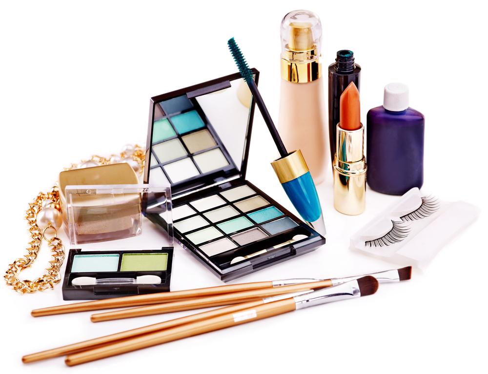Los 4 productos secretos para hacer que tu maquillaje dure