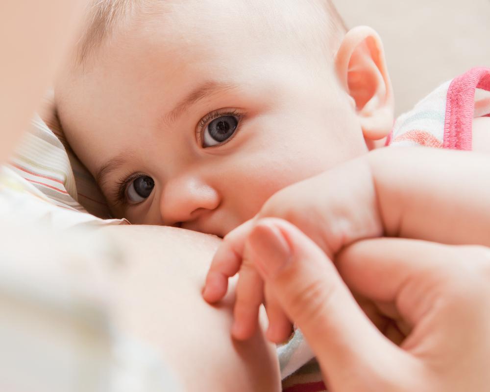 La audición de tu bebé debe ser revisada al nacer