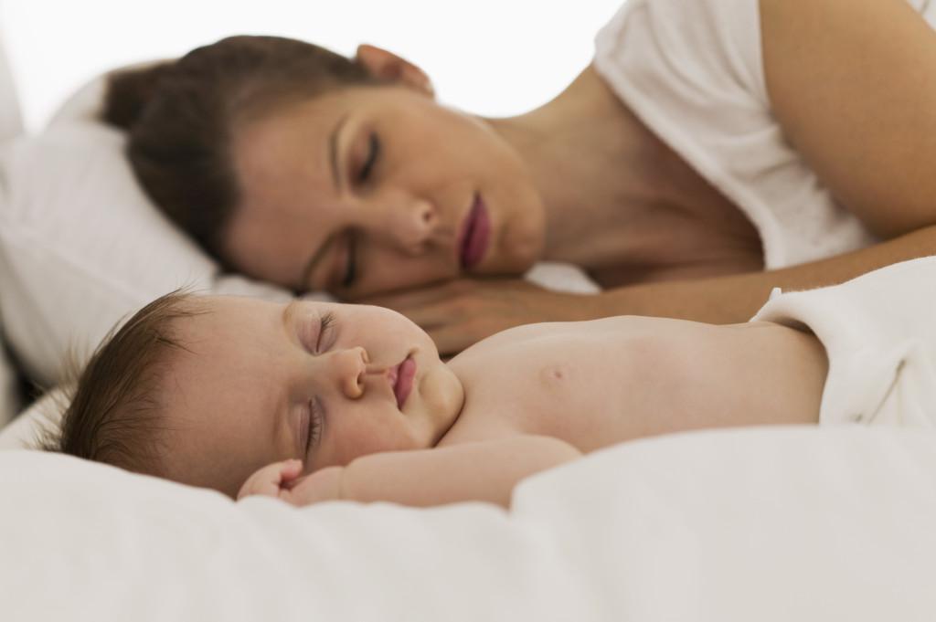 No hay nada de malo que mi bebé duermaconmigo