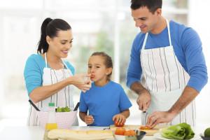 9 maneras de inculcar hábitos más saludables en tus hijos