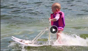 VIDEO: La esquiadora mas jóven de todos los tiempos