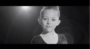 VIDEO: Niña bailarina con prótesis