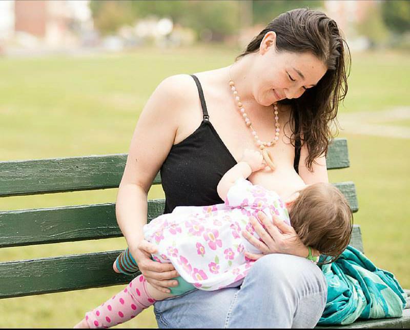 VIDEO: Los casos de las madres que fueron agredidas ¡por amamantar en público!