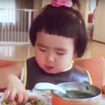 VIDEO: La bebé asiática con enorme apetito