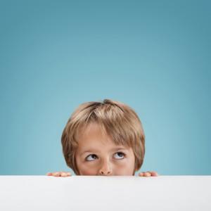 ¿Por qué los niños se comportan mejor cuando no está mamá?