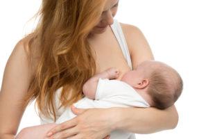 Leche materna protege a niños alérgicos