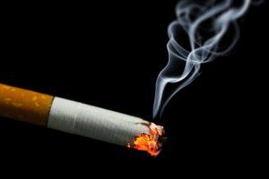 Cómo el humo del cigarrillo afecta al feto