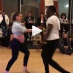 VIDEO: embarazada baila en competencia profesional de salsa