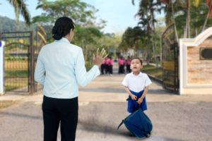 Cinco consejos para aliviar la ansiedad de tu hijo cuando te vas