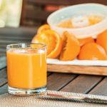 No más jugo de fruta para menores de un año, advierten los pediatras