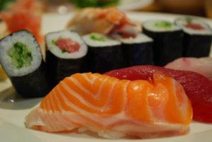 La poderosa razón para dejar de comer sushi durante el embarazo