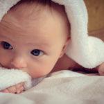 Esta es la frecuencia adecuada para bañar a tu recién nacido