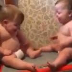 VIDEO: El divertido momento de unos bebés en una máquina de ejercicio