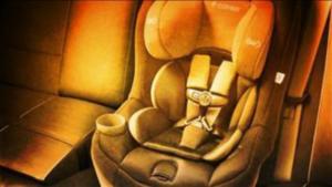 Foto: Aparatoso choque destruye auto pero la silla del bebé sale intacta