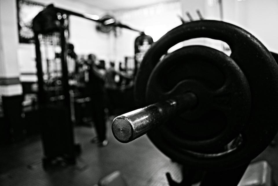 Tiene ocho meses de embarazo y entrena cinco días por semana en el gym