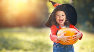 Cómo lograr un Halloween agradable para niños con autismo