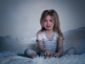 Las consecuencias de dormir tarde a niños menores de cinco años