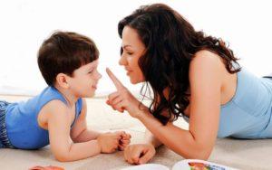 VIDEO: La mejor técnica para lograr que tu hijo no interrumpa tus conversaciones
