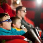 Exponer a un bebé al ruido del cine puede tener graves consecuencias