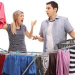 """""""No debes dividir las tareas domésticas 50/50 con tu pareja"""", terapeutas"""
