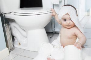 Cuatro consejos para enseñar a tu hijo a ir al baño más rápido