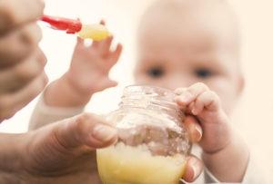 5 alimentos que no deberías darle al bebé