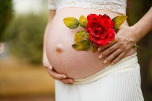 Consejos de famosas para evitar estrías en el embarazo