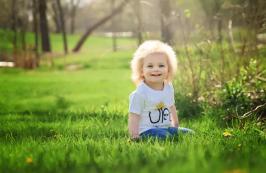 El síndrome de cabello impeinable es real y esta pequeña lo tiene