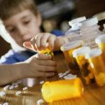 VIDEO: Cada vez más niños se intoxican con opioides de sus papás