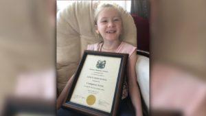 Niña con parálisis cerebral salvó a su hermanito de ahogarse